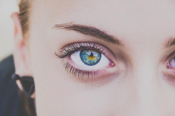 Tupozrakosť má svoje špecifiká