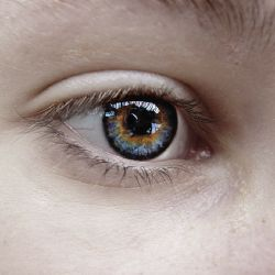 Tupozrakosť a jej definícia