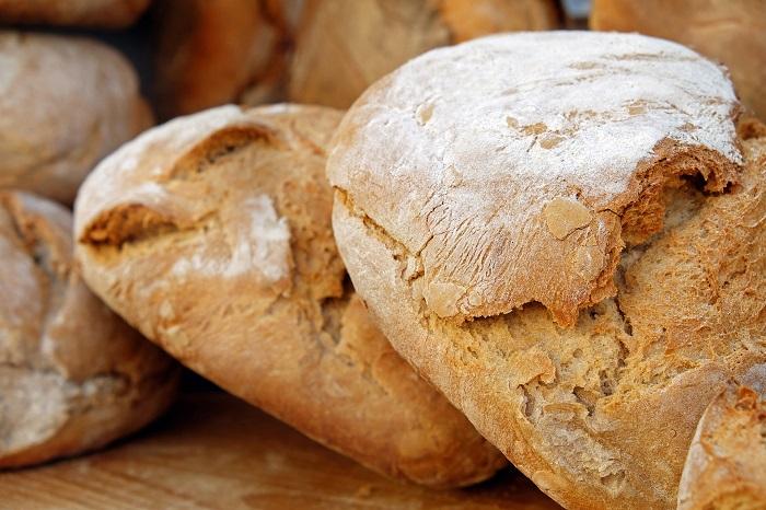 Razna chlebova muka aj na rožky