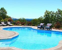 Murovaný bazén má svoje neodškriepiteľné výhody