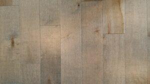 Vinylová podlaha v drevenom dekóre
